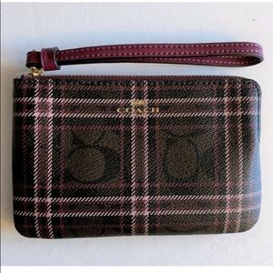 🎊🎉NWT COACH PLAID CORNER ZIP WRISTLET/WALLET
